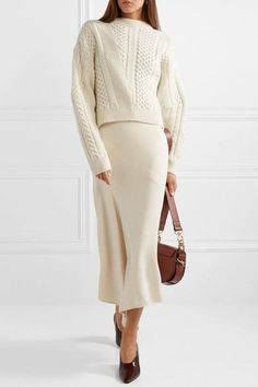 Stella McCartney - Oversized cable-knit wool and alpaca-blend sweater Beige Outfit, Neutral Outfit, Stella Mccartney, Style Couture, Couture Fashion, Hijab Fashion, Oversized Pullover, Tank Top Outfits, Mode Chic