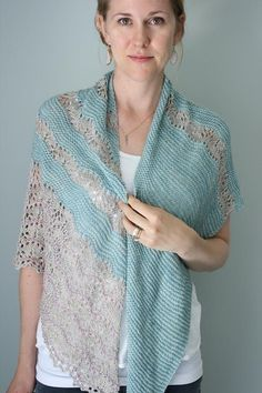 Ravelry: Pennae Shawl pattern by Hilary Smith Callis Knitted Shawls, Crochet Shawl, Knit Crochet, Crochet Vests, Crochet Cape, Knitted Scarves, Crochet Edgings, Crochet Motif, Arm Knitting