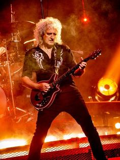 Queen with Adam Lambert thrill Mohegan Sun Casino crowd (review, photos) | masslive.com