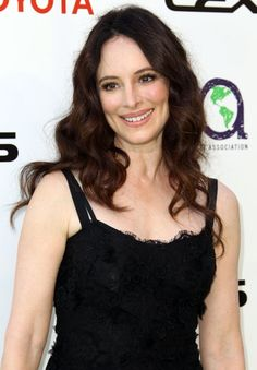 Madeline Stowe. She is so different from Victoria it's shocking.