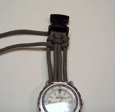 DIY Paracord watch. Courtney you should make this for me!