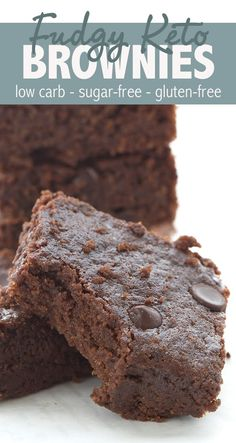 Fudgy Keto Brownies - Keto Brownies - Ideas of Keto Brownies - Super fudgy keto brownies. This easy one-bowl recipes results in deliciously fudgy and chewy brownies that no one will guess are low carb and gluten-free! Check out the secret ingredient. Keto Desserts, Keto Friendly Desserts, Sugar Free Desserts, Sugar Free Recipes, Dessert Recipes, Easy Keto Dessert, Breakfast Recipes, Breakfast Bake, Keto Snacks