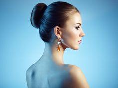 Portrait of beautiful sensual woman with elegant hairstyle - Portrait of beautiful sensual woman with elegant hairstyle.  Perfect makeup. Brunette girl. Fashion photo