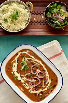 Punjabi Rajma- Red kidney beans curry in a rich tomato sauce indian food recipes Veg Recipes, Curry Recipes, Indian Food Recipes, Asian Recipes, Vegetarian Recipes, Cooking Recipes, Andhra Recipes, Beans Recipes, Simple Recipes