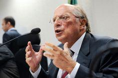 Imagem: Reprodução / UOL    O advogado Miguel Reale Júnior, um dos signatários do pedido de impeachment de Dilma Rousseff, avalia que Mich...