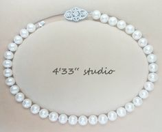 """Item no.: GSN020-RH  925 SILVER C.Z.CLASP COLOR: SILVER (WITH RHODIUM PLATING)  PEARL (10-11MM) COLOR: CREAM  SIZE: 17"""""""