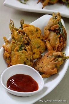 Spinach Fritters Recipe, Palak Pakora or Palak Bhajia - Yummy Indian Kitchen Indian Food Recipes, Asian Recipes, Vegetarian Recipes, Cooking Recipes, Ethnic Recipes, Rice Recipes, Cooking Tips, Healthy Recipes, Vegetarian
