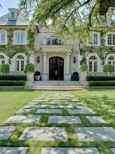 love the moss and tile enterance to the house - BleuVous.com