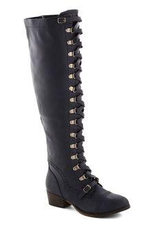 Classics Beauty Boot in Navy