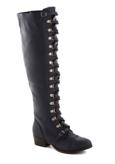 Classics Beauty Boot in Navy