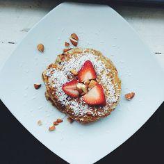 Fluffy strawberry banana pancakes! Gluten-free, and vegan recipe found on www.wholehealthyglow.com!