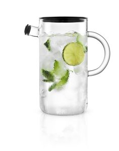 The stylish Eva Solo Glass Jug is completely drip-free, while the tight-fitting stainless steel and silicone lid prevents the contents from absorbing unwanted flavours or smells in the fridge. Carafe, Retro Vintage, Glass Jug, Cosmetic Design, Lemon Balm, Lemon Lime, Everyday Objects, Drinkware, Coffee Cups