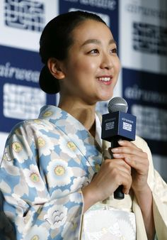 Triple world champion and Olympic silver medalist figure skater Mao Asada in kimono speaks during a presentation for a TV commercial for a mattress maker at a hotel in Tokyo on May 28, 2015. Asada, who announced a return to competitive figure skating on May 18 after semiretirement in March last year, said it has not been decided when her first completion will be. (Kyodo) (2608×3740) http://english.kyodonews.jp/photos/2015/05/355154.html