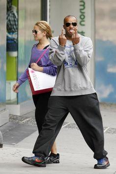 The Donald Faison | Middle Fingers - 43 Types (Pix) of Celebrity --- http://www.buzzfeed.com/whitneyjefferson/celebrity-middle-fingers#3nohv8n http://buzzfeed.com/whitneyjefferson/celebrity-middle-fingers http://www.buzzfeed.com ---