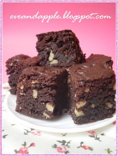 Eve and Apple: Brownies Jamie Oliver szerint Apple Brownies, Jamie Oliver, Macarons, Sweet Recipes, Eve, Muffin, Food And Drink, Appetizers, Sweets