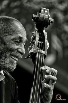 Ron Carter (b. is an American jazz double-bassist. Ron Carter on the bass . Soul Jazz, Jazz Artists, Jazz Musicians, Music Artists, Ron Carter, Hard Bop, Pop Rock, All That Jazz, Double Bass
