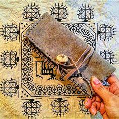 yeni el işi ve özgün tasarım tütünlük | new design handmade and unique tobaccocase 😊✌ • ▪ • ▪ • #yeni #elişi #özgün #tasarım #tütünlük #tütünkesesi #tütünçantası #tütün #sanat #zanaat #geridönüşüm #işimdeyimgücümdeyim #ürettikçepaylaş #aşkile #barışiçin #new #handmade #unique #design #tobacco #tobaccocase #art #craft #rcycle #withlove #forpeace