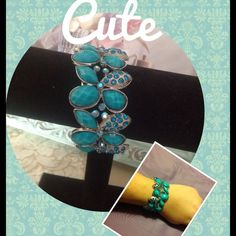 ✨CUTE BRACELET✨ Turquoise in color really cute bracelet Jewelry Bracelets