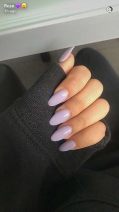 False nails have the advantage of offering a manicure worthy of the most advanced backstage and to hold longer than a simple nail polish. The problem is how to remove them without damaging your nails. Cute Nails, Pretty Nails, My Nails, Purple Shellac Nails, Light Purple Nails, Light Nails, Pink Nail, Dark Nails, Pastel Nails