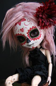 pink calavera doll, I want one so bad