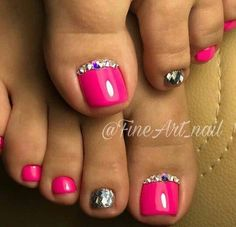 New pedicure glitter toes nail polish Ideas Pretty Toe Nails, Cute Toe Nails, My Nails, Pedicure Colors, Manicure E Pedicure, Pink Pedicure, Pedicures, Pedicure Ideas, Summer Pedicure Designs