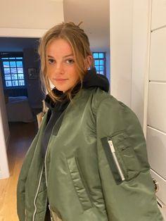 Girls Bomber Jacket, Rain Jacket, Real Life, Windbreaker, Jackets For Women, Fashion, Jackets, Cardigan Sweaters For Women, Moda