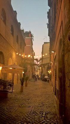 Foto di Simone Hahner. Via dell'Arco di San Callisto.