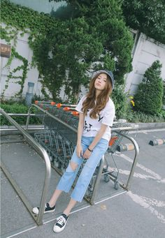 Bucket, Ivory Homey T-Shirt, Blue Ripped Knee Jeans | Stylenanda