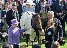 Reina-Isabel-II y su yegua Estimate