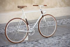 """"""" :: Biascagne Cycles Clean single speed bike from Biascagne Cycles of Treviso, Italy. Velo Vintage, Vintage Bikes, Velo Design, Pink Bike, Retro Bicycle, Fixed Gear Bike, Speed Bike, Bike Style, Cool Bikes"""