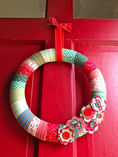 That's My Letter: Christmas. Cute and easy.  Now where can I find Christmas fabric for 45 wreaths for cheap?
