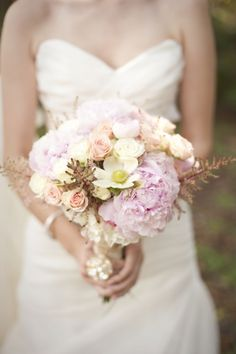 Stunning blush bouquet! Photo by http://stephanieasmith.com, Bouquet by http://fhweddings.com // see more: http://theeverylastdetail.com/a-classic-romantic-blush-and-white-wedding/