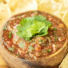 Smoked Salsa is a tasty homemade salsa that is infused with smoky flavor. Smoked tomatoes, jalapeno, onion, and garlic help make this the best salsa ever. Traeger Recipes, Grilling Recipes, Cooking Recipes, Mild Salsa, Hot Salsa, Smoked Salsa Recipe, Sweet Potato Nachos, Smoked Beef, Fruit Salsa