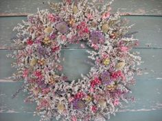 Statice dried flower wreath with soft shades by NHWoodscreations Christmas Flowers, Winter Flowers, Dried Flower Wreaths, Dried Flowers, Outdoor Crafts, Floral Arrangements, Flower Arrangement, Wreaths For Front Door, Cut Flowers