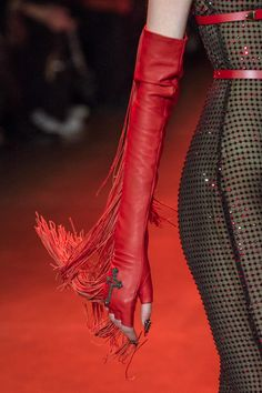The Blonds at New York Fashion Week Fall 2018 - Details Runway Photos Source by Playatized fashion dresses Dark Fashion, Fashion Art, Editorial Fashion, Runway Fashion, High Fashion, Fashion Looks, Womens Fashion, Fashion Design, Curvy Fashion