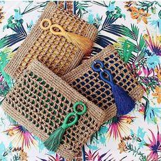 Marvelous Crochet A Shell Stitch Purse Bag Ideas. Wonderful Crochet A Shell Stitch Purse Bag Ideas. Crochet Clutch, Crochet Handbags, Crochet Purses, Crochet Bags, Crochet Shell Stitch, Crochet Stitches, Crochet Patterns, Love Crochet, Knit Crochet