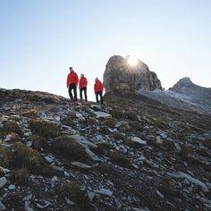 ABENTEUER ALPEN: Einmal im Leben zu Fuß über die Alpen  unsere Partner @mammut_absolute_alpine und Intersport machen es möglich! Tippe auf den Link in der Bio (geo.de/alpen) und bewerbe Dich für unsere Alpenüberquerung! Foto: Robert Bösch / @erdmannpeisker  #alpenüberquerung #mammut #alpen #trekking #wandern #outdoor #absolutalpine #backpacking #hiking #berge by geomagazin