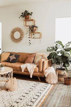 Casa da Anitta: see the singer's mansion in Barra da Tijuca - Home Fashion Trend Boho Living Room, Living Room Lighting, Living Room Sofa, Living Room Furniture, Bohemian Living, Tan Leather Sofas, Sofa Design, Interior Design, Design Design