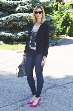HOw to wear pink heels on casual friday at the office: indigo skinny jeans, black blazer, graphic tee