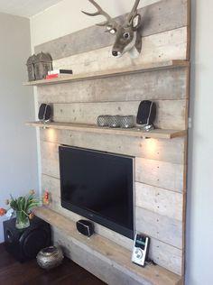 nl: Scaffolding wood TV / wall unit incl lighting – Bert Jongeneel – … - All For Decoration Tv Furniture, Pallet Furniture, Tv Wall Design, House Design, Tv Wanddekor, Tv Wall Decor, Living Room Tv, Home Projects, Diy Home Decor