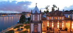 Secrets From Portugal brings you the best romantic hotels in Porto: enjoy na idyllic weekend in the Invicta city and start packing. Portugal, Beautiful Hotels, Beautiful Places, Colourful Buildings, Palace Hotel, Most Romantic, Hotel Spa, Holiday Destinations, Best Hotels