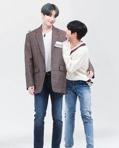 Seungwoo appa with his son😚 Cute Pink, Cute Love, La Mans, Hot Korean Guys, Bokuto Koutarou, Cute Gay Couples, Daddys Girl, Seong, Father And Son