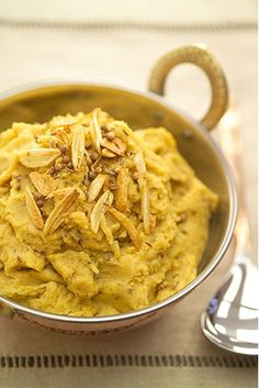 These robust flavoured mashed potatoes are just the thing to have with grilled meats and Worcestershire Sauce or even in place of rice with you favourite curry. Grilled Meat, Stew, Mashed Potatoes, Macaroni And Cheese, Curry, Spices, Ethnic Recipes, Food, Essen
