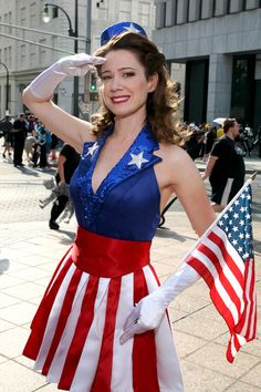 Totally honest, if I ever had like a bf/gf Halloween costume, he'd be Cap and I'd be either a USO girl or Bucky