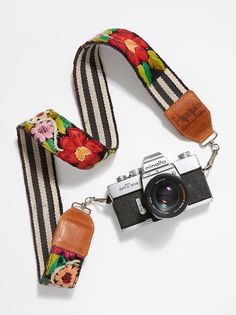 Leather Embroidery Camera Strap from Free People! Dslr Photography Tips, Photography Equipment, Cameras Nikon, Nikon Dslr, Canon Lens, Best Digital Camera, Digital Slr, Leather Embroidery, Camera Phone