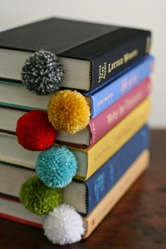 25 Pom Pom Crafts To Make You Pom Pom CRAZY! we have pom poms you can wear and pom poms for decorating. we have pom poms for Christmas and pom Fun Diy Projects For Home, Crafts For Teens To Make, Diy And Crafts, Craft Projects, Craft Ideas, Creative Bookmarks, Cute Bookmarks, Pom Pom Crafts, Yarn Crafts