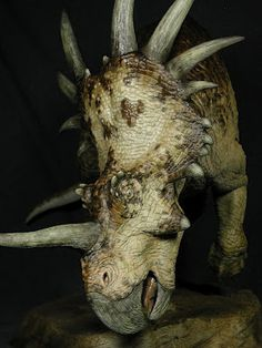 Styracosaurus was a genus of herbivorous ceratopsian dinosaur from the Cretaceous Period (Campanian stage), about to 75 million years ago. Prehistoric Dinosaurs, Prehistoric Creatures, Jurassic World, Jurassic Park, Reptiles, Mammals, Dinosaur Pictures, Dinosaur Art, Extinct Animals