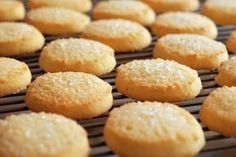Lemon and Ginger Biscuits / Cookies Sugar Biscuits Recipe, Shortbread Biscuits, Shortbread Recipes, Biscuit Cookies, Biscuit Recipe, Cookie Recipes, Homemade Shortbread, Easy Sugar Cookies, Sweets
