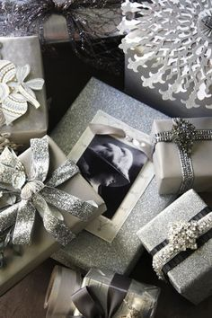 Beautiful christmas wrapping ideas.
