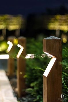 Here are outdoor lighting ideas for your yard to help you create the perfect nighttime entertaining space. outdoor lighting ideas, backyard lighting ideas, frontyard lighting ideas, diy lighting ideas, best for your garden and home Driveway Lighting, Backyard Lighting, Exterior Lighting, Garden Lighting Ideas, Outside Lighting Ideas, Garden Ideas, Garden Path Lighting, Patio Ideas, Garden Lamps